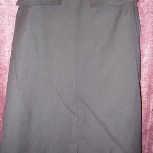 Harvey Bernard Woman's Black Wool Skirt Size 12